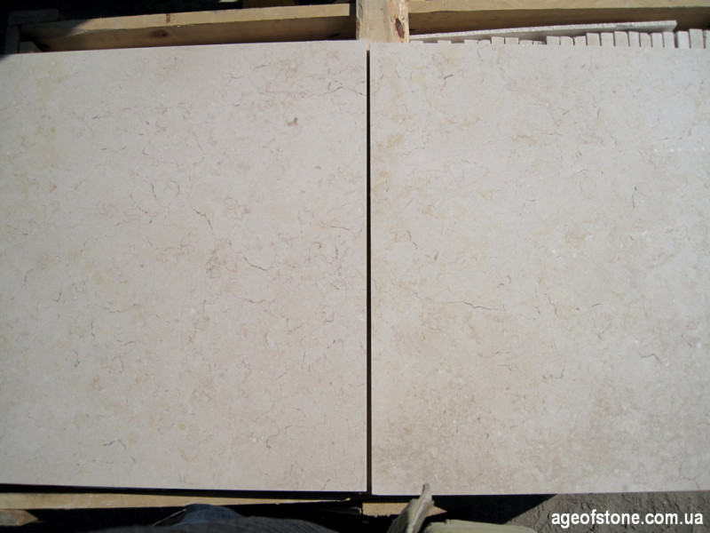 Бежевый мрамор Галала в плитке 600х600