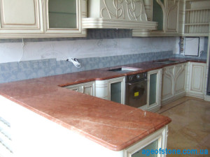 установка мраморной столешницы на кухню и мраморного плинтуса